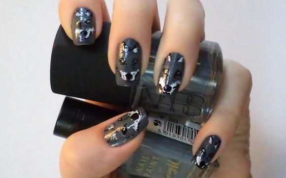 Grey Wolf Nail Art