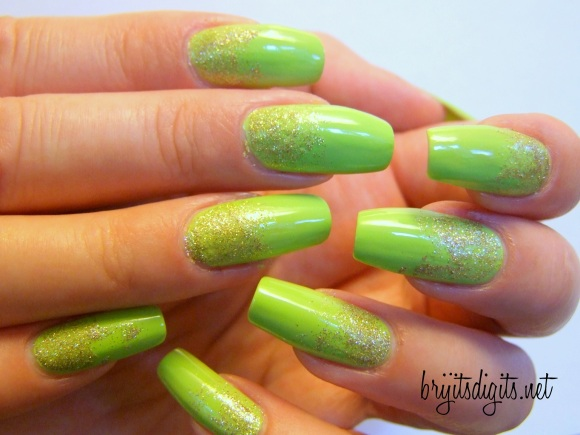 31DC2013 - Green Nails-002