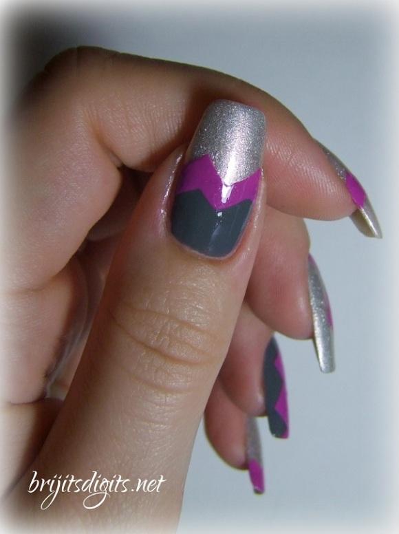 piCture pOlish - Mad Magenta - Chevron Nail Art-002
