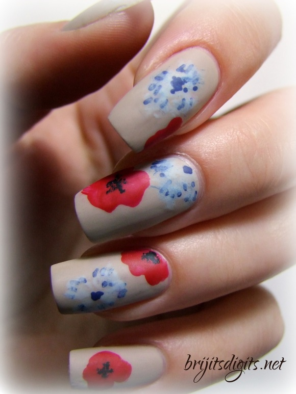 Armistice Day Nail Art Poppies Bleuet de France-001