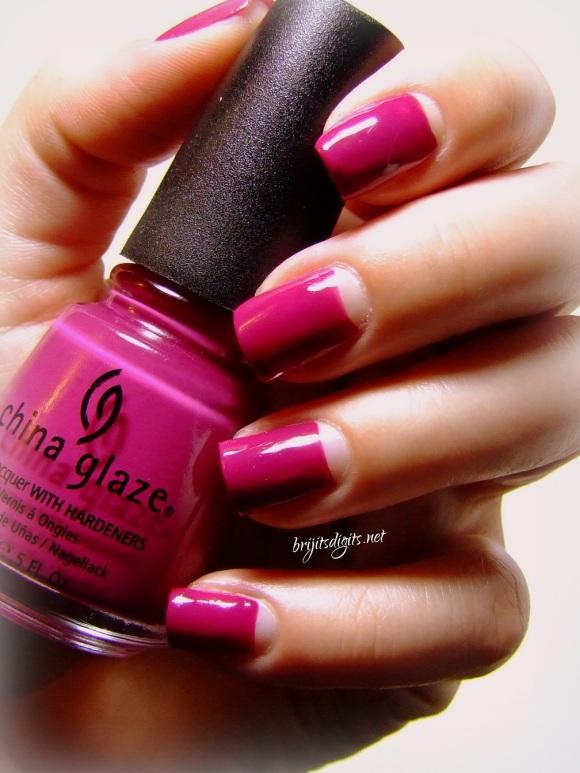 GOT Polish Challenge - Pink - China Glaze - Designer Satin-001