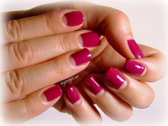 GOT Polish Challenge - Pink - China Glaze - Designer Satin-002