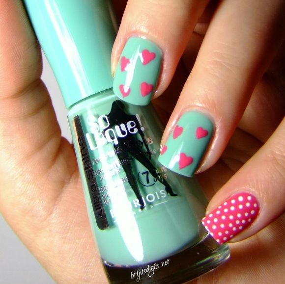 Bourjois - Bleu Modele & Rose Imaginaire - Valentines Day Nail Art-001