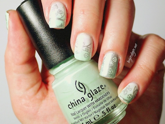#Naillinkup - Gradient Nails - MoYou Stamping and China Glaze -001