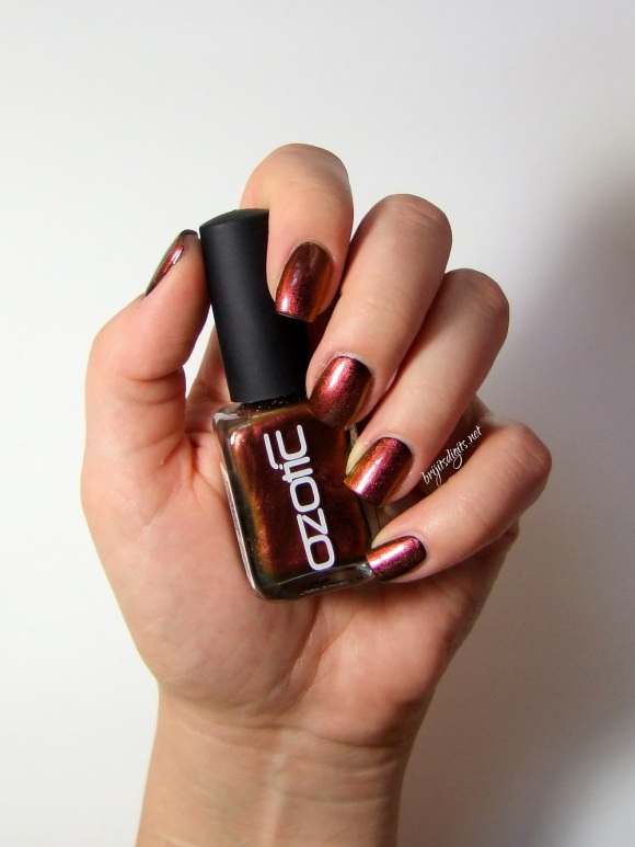 Ozotic 502 Nail Polish Swatch -002