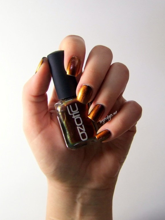 Ozotic 502 Nail Polish Swatch -004