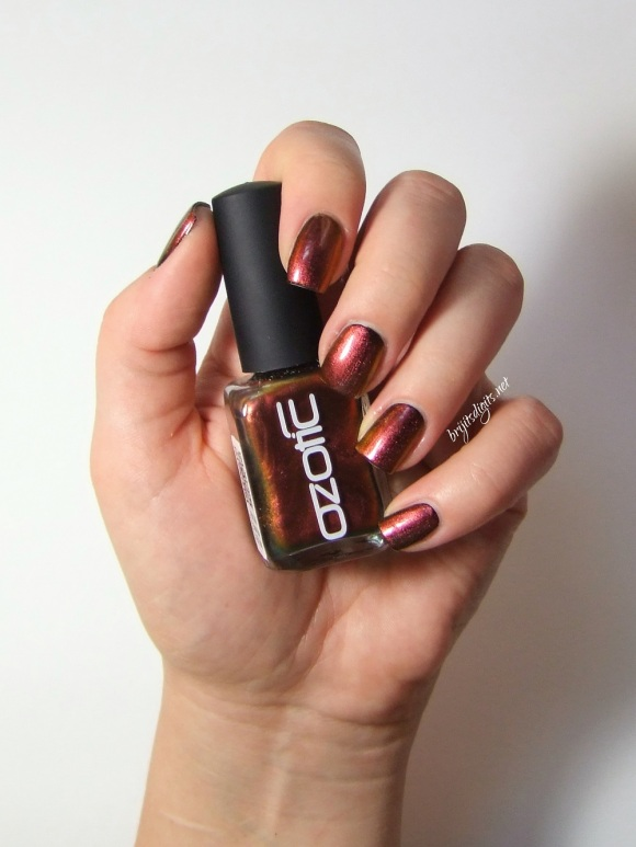Ozotic 502 Nail Polish Swatch -005